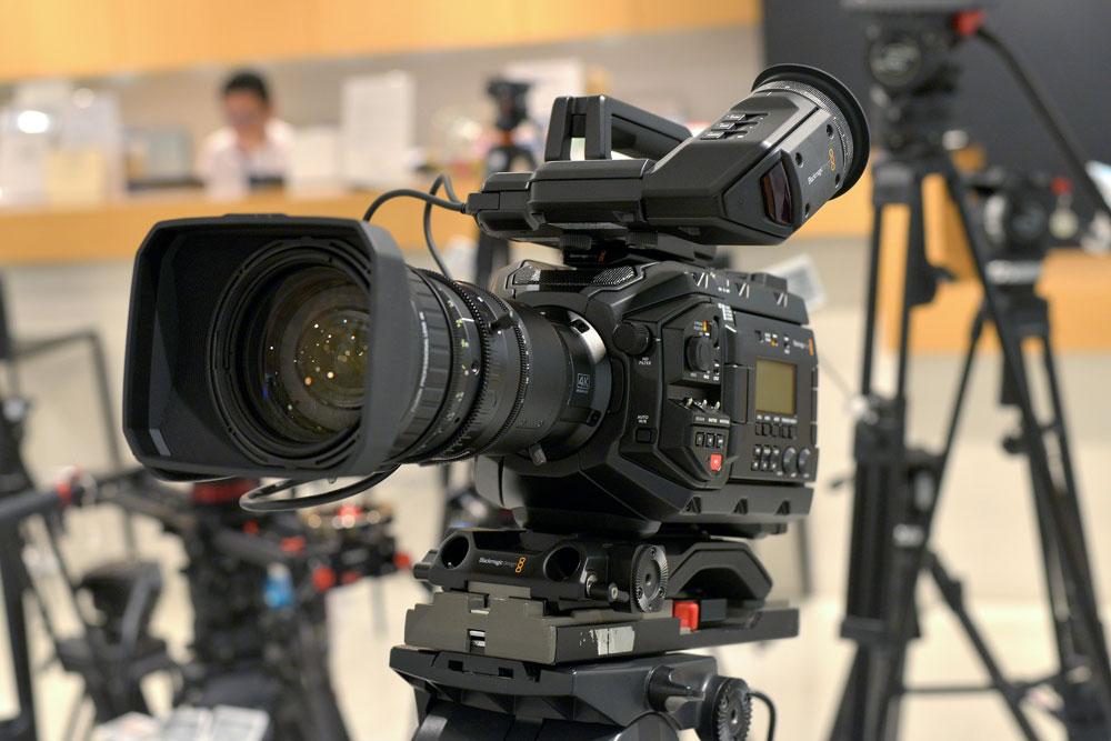 Blackmagic URSA Broadcast と 4K対応フジノン16倍ズームレンズセットの店頭展示を開始しました