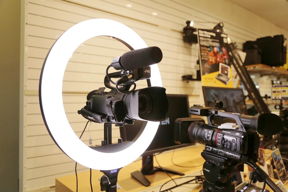 【好評展示中】Phottix社製LEDライトの取り扱いを開始しました。